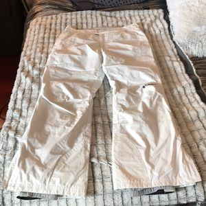 New without tag's white Columbia brand snow pants